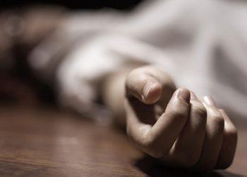 दुई छोराका घाँटी कसेर हत्या गरेपछि आमाले गरिन् आत्महत्या